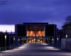 Weimarhalle bei Nacht