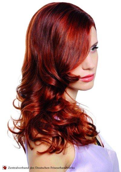 lange Haare im Frühjahr - Sommer 2011 - lockig und gern rot