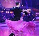 Cathy Zimmermann und Christoph Santner bei Dancing Stars 2011 in perfekter Pose - Foto: ORF/ALI SCHAFLER