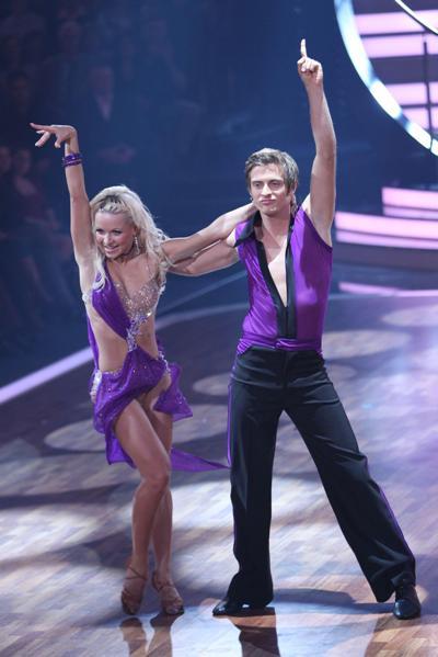 Helena Kaschurow und Jörg Schlönvoigt bei Lets dance 2011 - Foto: (c) RTL / Stefan Gregorowius