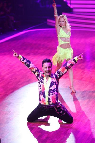 arah Latton und der Checker bei Lets dance 2011 - Foto: (c) RTL / Stefan Gregorowius
