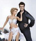 Sylvie van der Vaart und Daniel Hartwig bei Lets Dance 2011 die Moderatoren - Foto:(c) RTL / Stephan Pick