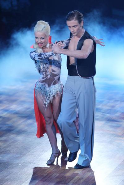 Helena Kaschurow und Jörn Schlönvoigt bei Let's dance 2011 Show 5 - Foto: (c) RTL / Stefan Gregorowius