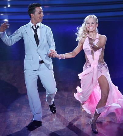 Sarah Latton und der Checker bei Lets dance 2011 - (c) RTL / Stefan Gregorowius