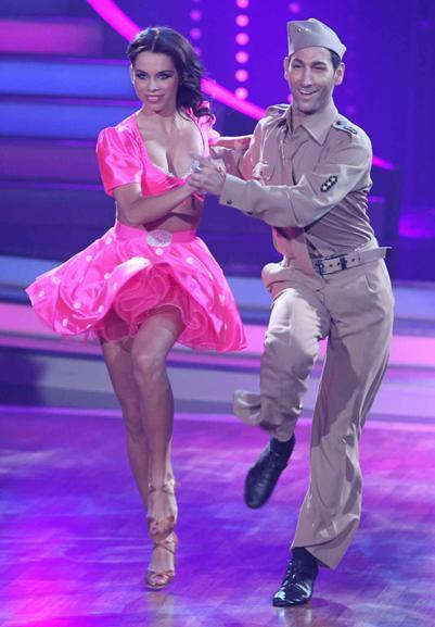 Liliana Matthäus - Massimo Sinato bei Let's dance 2011 im Viertelfinale - (c) RTL / Stefan Gregorowius
