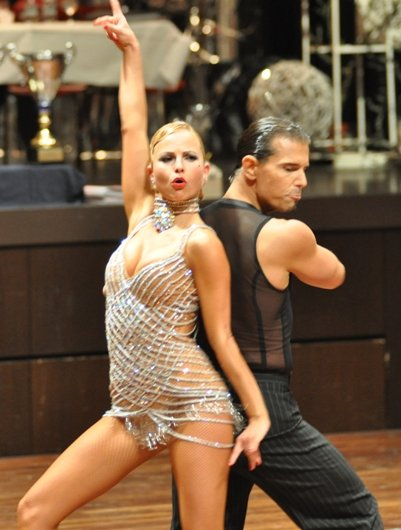Tanz-DM 2011 Kür Latein - Sarah Latton und Stefan Erdmann - Hier zeigen Sarah und Stefan noch entschlossen, wo es hingehen soll mit der Kür - ganz nach oben