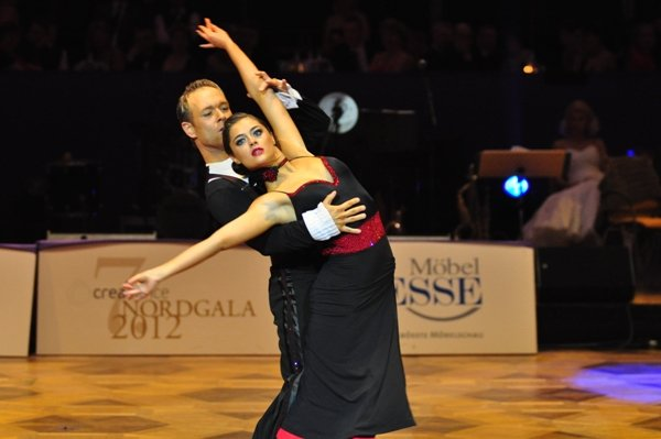Federico Slemties und Alessja Sapadenskaja zur Deutschen Meisterschaft 2012 Professionals Kür Latein März 2012 - Bild 3