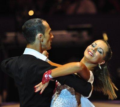 Jurij und Aleksandra Kaiser zur Deutschen Meisterschaft 2012 Professionals Kür Standard und Latein März 2012 - Bild 1