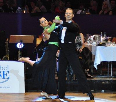 Mario und Sabine Schiena zur Deutschen Meisterschaft 2012 Professionals Kür Standard März 2012 - Bild 1