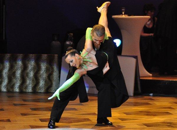 Mario und Sabine Schiena zur Deutschen Meisterschaft 2012 Professionals Kür Standard März 2012 - Bild 3