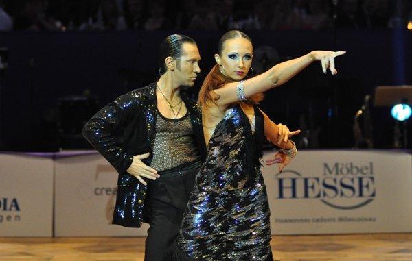 Sergey Oladyshkin und Anastasia Weber zur Deutschen Meisterschaft 2012 Professionals Kür März 2012 - Bild 1