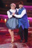 Stefanie Hertel und Sergiy Plyuta bei Lets dance 2012 - Foto: (c) RTL / Stefan Gregorowius