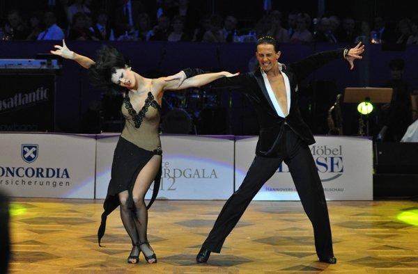 Valera Musuc und Nina Trautz zur Deutschen Meisterschaft 2012 Professionals Kür Latein März 2012 - Bild 2