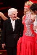 Joana Zimmer mit Oma bei Lets dance 2012 - (c) RTL / Stefan Gregorowius