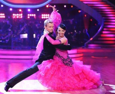 Vadim Garbuzov mit Petra Frey bei den Dancing Stars 2012 - Foto: (c) ORF - Ali Schafler