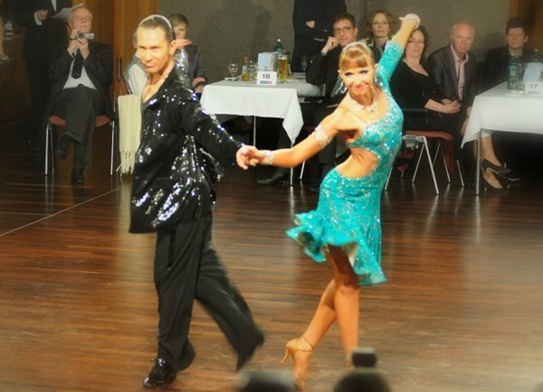 Anastasia Weber - Sergey Oladyshkin - DM Latein-Tänze 2012 Profis in Giessen - 1