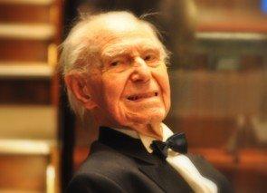 Herr Apelt - 100 Jahre und fit mit Tanzen - aus Giessen