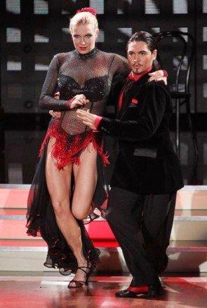 Lets-dance-Gewinner 2012 Magdalena Brzeska und Erich Klann - Foto: (c) RTL / Stefan Gregorowius