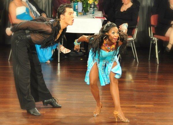 Evgenij Voznyuk - Motshegetsi (Motsi) Mabuse sind Deutsche Meister 2013 Lateinamerikanische Tänze