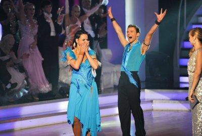 Vadim Garbuzov und Petra Frey Gewinner der Dancing Stars 2012 - Foto: (c) ORF - Ali Schafler