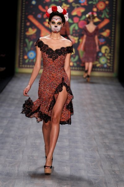 flamenco kleid von lena hoschek zur mb fashion week berlin 2012. Black Bedroom Furniture Sets. Home Design Ideas