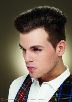 Der gleiche Haarschnitt im Rockabilly-Styling - Foto vom ZV des Friseurhandwerks