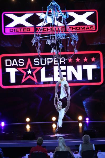 Svetlana Wottschel und Kristin Spiegler beim Supertalent - Foto: (c) RTL / Andreas Friese