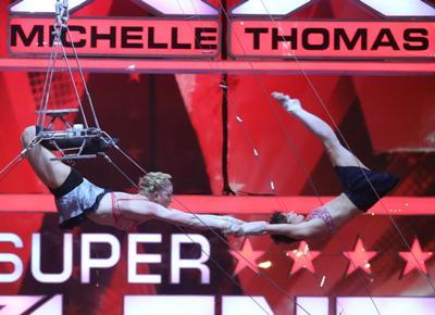 Linde Hartman und Pauline Hachette - Supertalent 2012 - Foto: (c) RTL / Andreas Friese