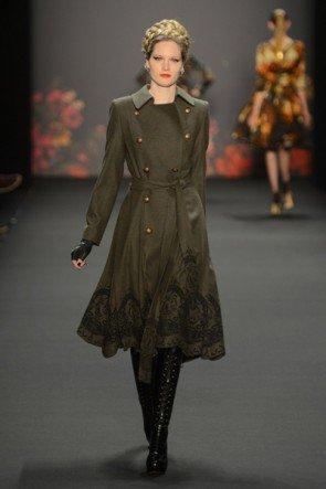Lena Hoschek zur Mercedes Benz Fashion Week 2013 Januar - 08