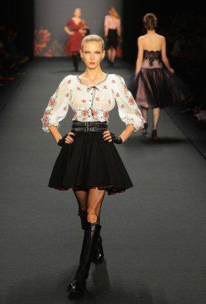 Lena Hoschek zur Mercedes Benz Fashion Week 2013 Januar - 16