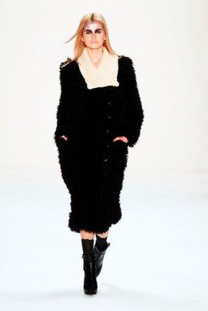 Rebekka Ruetz - Mode zur Fashion Week 2013 Berlin Januar - 1