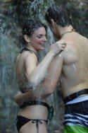 Traute Zweisamkeit vom hübschsten Paar im Dschungel-Camp 2013 - Cladelle Deckert und Patrick Nuo - Foto: (c) RTL / Stefan Menne