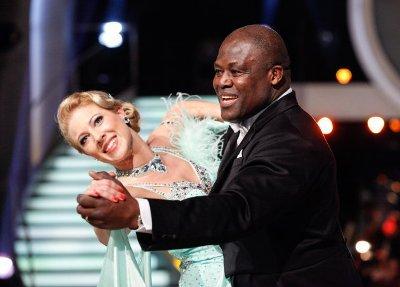 Biko Botowamungu - Maria Jahn mit viel Freude bei den Dancing Stars 2013 - Foto: (c) ORF - MILENKO BADZIC