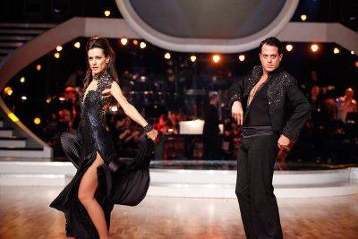 Gregor Glanz - Lenka Pohoralek beim Paso doble - Dancing Stars am 30.3.2013 - Foto: (c) ORF - MILENKO BADZIC