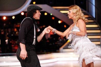 Rainer Schönfelder - Manuela Stöckl mit tollem Tanz bei den Dancing Stars 2013 - Show 4 - Foto: (c) ORF - MILENKO BADZIC