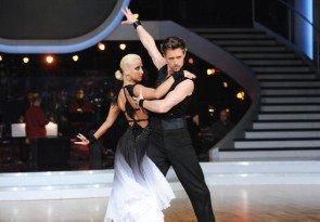 Lukas Perman - Kathrin Menzinger Dancing Stars 2013 Show 5 - Foto: (c) ORF - Ali Schafler