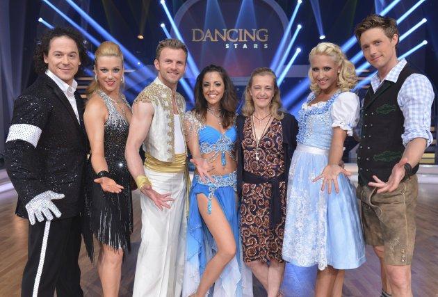 Dancing Stars Finale am 24. Mai 2013 - die Tanzpaare mit ORF-Fernsehdirektorin Kathrin Zechner - Foto: ORF - Ali Schafler