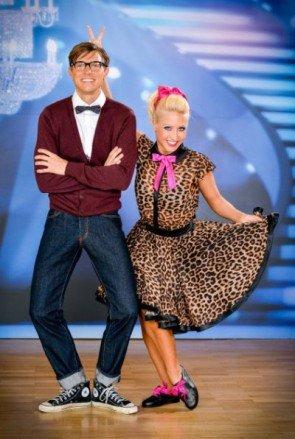 Lukas Perman - Kathrin Menzinger bei den Dancing Stars 2013 im Jitterbug-Kostüm - Foto: ORF - Ali Schafler