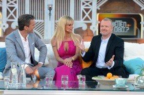 """Wieder bei """"Wetten, dass..?"""" -Michelle Hunziker - Hier auf Mallorca mit Markus Lanz und Stefan Raab - Foto: ZDF und Sascha Baumann"""