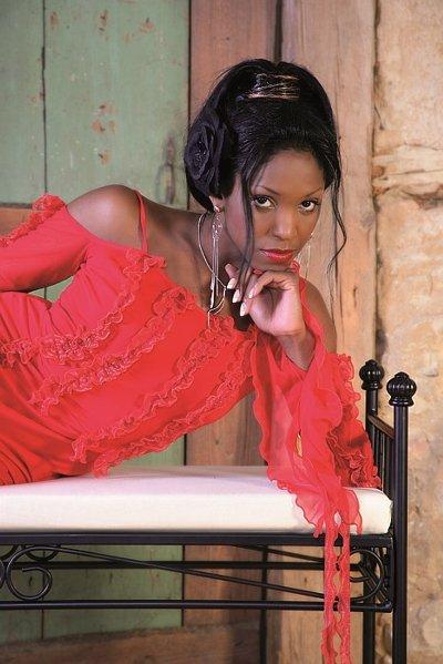 """Olvido Ruiz hat mit """"Perfecta Cominacion"""" ein Salsa-Hit auf der CD"""