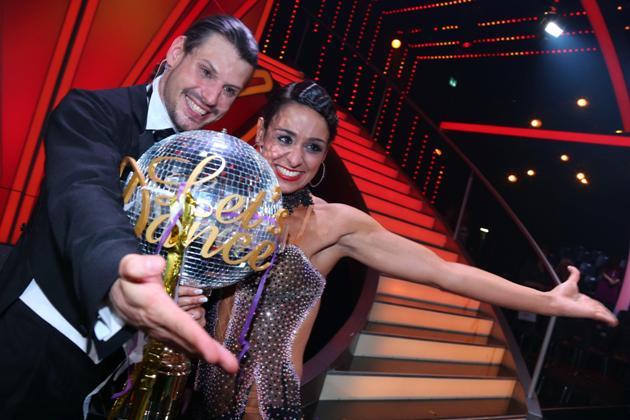 Sieger von Let's dance 2013 und Dancing Star 2013 - Manuel Cortez und Melissa Ortiz-Gomez - Foto: c) RTL / Stefan Gregorowius