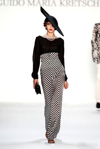 mode von guido maria kretschmer auf der fashion week berlin juli 2013. Black Bedroom Furniture Sets. Home Design Ideas