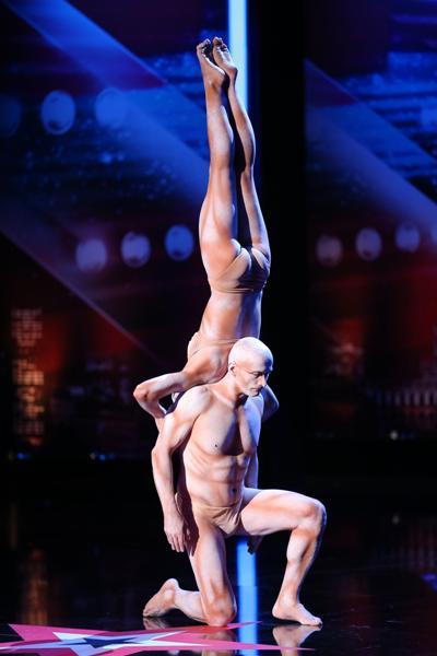 Richard Jecsmen und Yana Semilet - Kraft-Akrobaten der Extraklasse