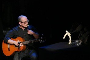 Puppenspieler Jordi Bertran beim Supertalent 2013 - Foto:(c) RTL / Stefan Gregorowius