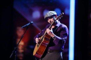 David Goodman an der Gitarre beim Supertalent 2013 - Foto: (c) RTL / Stefan Gregorowius