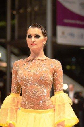 Jekaterina Perederejeva vom deutschen Tanzpaar aus Pinneberg - hier im ersten Kleid - Foto: (c) Salsango / Sven Goldmann