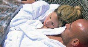 Angelina und Christian beim Bachelor - Foto: (c) RTL