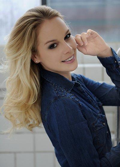Linda Fäh - Schlager-Sängerin und Moderatorin