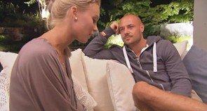 Katja und Bachelor Christian im Gespräch - Foto: (c) RTL