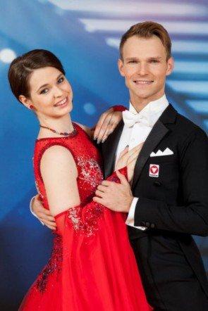 Vadim Garbuzov - Roxanne Rapp bei den Dancing Stars am 2. Mai 2014 - Foto: (c) ORF – Hans Leitner